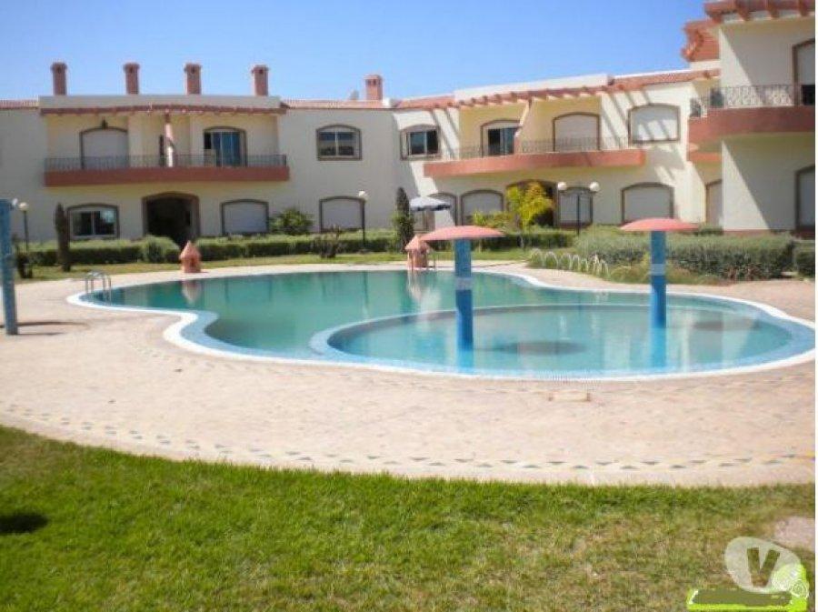 A vendre a el jadida un bel appartement spacieux plus une for Appartement piscine